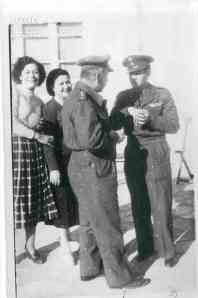 Ο διοικητής ΣΦΜ Μηλιάδης και ο ταγμ/ρχης Ασημ. Καράγιωργας, διοικητής του Γ' Ε.Τ.Ο. μετά το Ζακρό