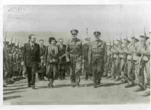 """""""Από την επίσκεψη των βασιλέων εις Μακρόνησον, Μάρτ. 1949"""""""