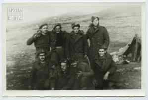 Στρατιώτες στη Μακρόνησο
